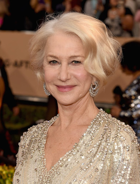10 FAMOUS WOMEN AGING GRACEFULLY IN HOLLYWOOD