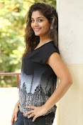 Karuna photos in jeans-thumbnail-1