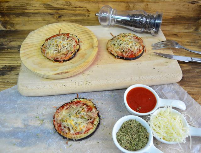 mini pizzas de berenjenas, pizza de berenjenas, pizzas de dieta, berenjenas al horno, berenjenas dietas, berenjenas light, berenjenas de atún, berenjenas con atún, berenjenas con tomate,