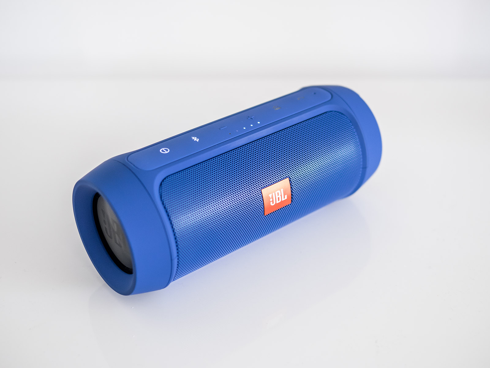 Oluv's Gadgets: Review: JBL Charge 2+ where's the plus?