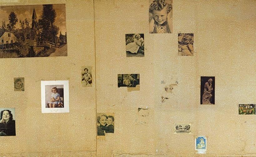 Parede do quarto de Anne Frank no museu em Amsterdam. Foto: www.annefrank.org