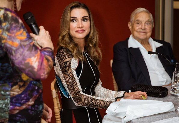 Queen Rania met with representatives of international Jewish organisations. She met with US-based supporters of the Jordan River Foundation