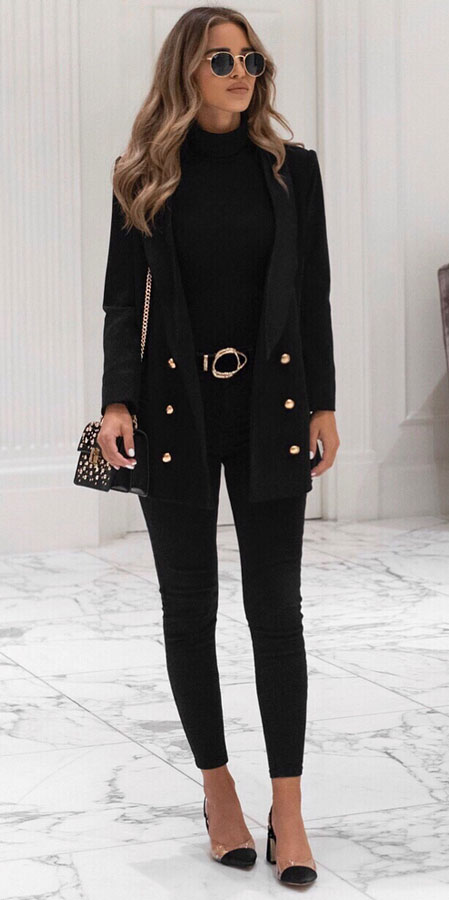 25 Best Extra Nice Winter Outfits to Wear Now.  fashion style winter holiday fashion winter winter style fashion fashions winter winter clothing #fashionable #fashionblogger #fashiondesign #fashionblog