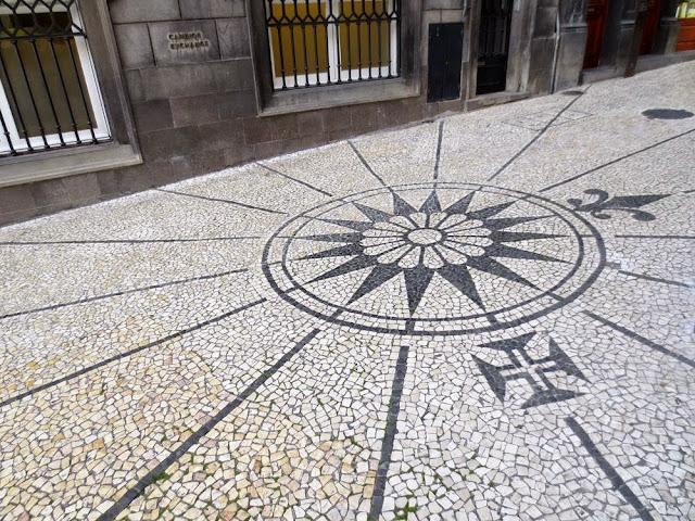 Calçada Portuguesa na Rua de João Tavira