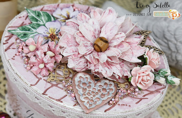 """You Are in My Heart"" Altered Mixed Media Box by Tracey Sabella for Studio75 February 2019 Challenge #studio75 #littlebirdiecrafts #49andmarket 49andmarketflowers #finnabair #finnabairproducts #primamarketing #prills #thecraftersworkshopstencils #helmar #thermoweb #mixedmedia #mixedmediaart #mixedmediabox #alteredbox #mixedmediaartist #shabbychic #shabby #shabbychiclover #shabbychicbox #papercrafting #chipboard #altered #homedecor #handcrafted #handmade ⠀"