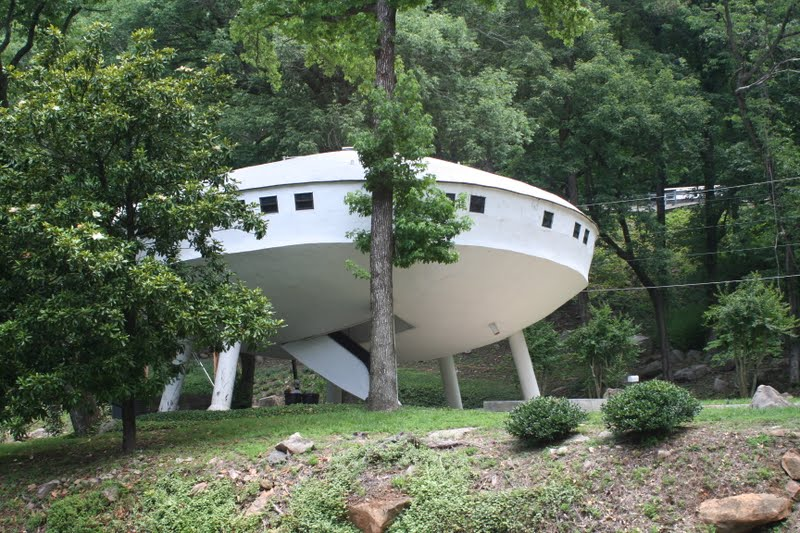 What A Country Chattanooga Tenneesee Spaceship House