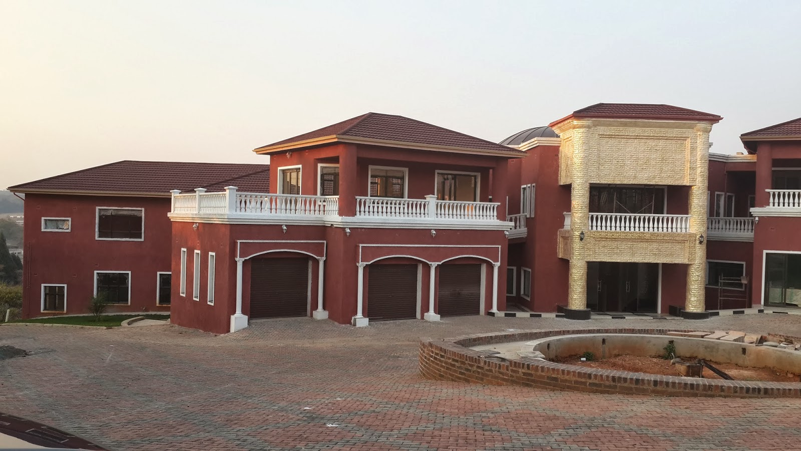 Top 5 celebrity homes in india