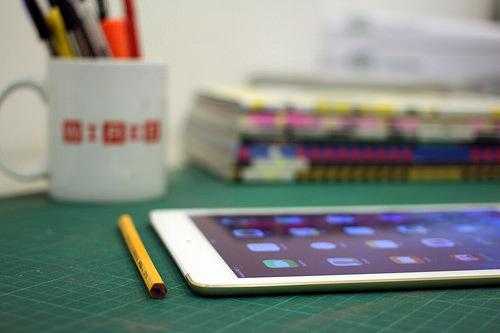 ipads, chromebooks, tablets, libros de texto, educación