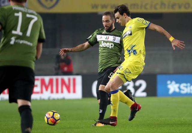 Video Chievo - Juventus: 2 chiếc thẻ đỏ, sụp đổ khó tránh
