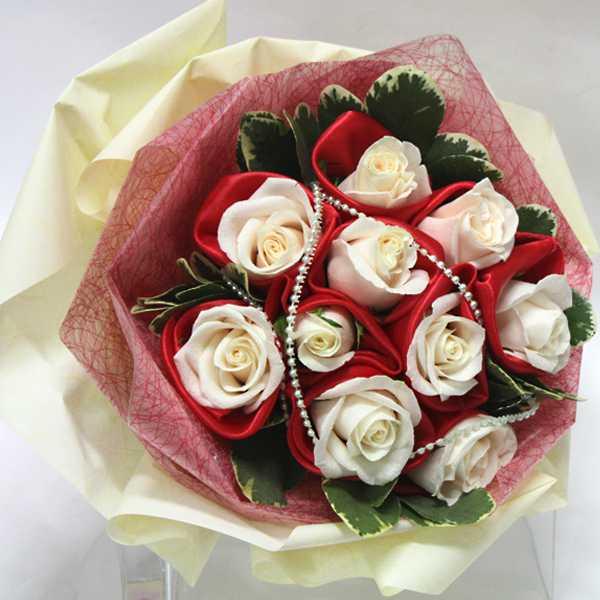 Florist in Singapore - Buy Online Flowers Singapore: Hand Bouquet ...