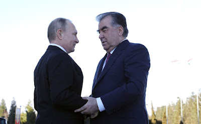 Vladimir Putin, Emomali Rahmon.