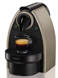 Nespresso XN2140 Essenza Macchina per Caffè Espresso, Sistema a Capsule, Tortora Earth
