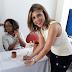Adriana Rocha assina termo de compromisso em prol das crianças e dos adolescentes