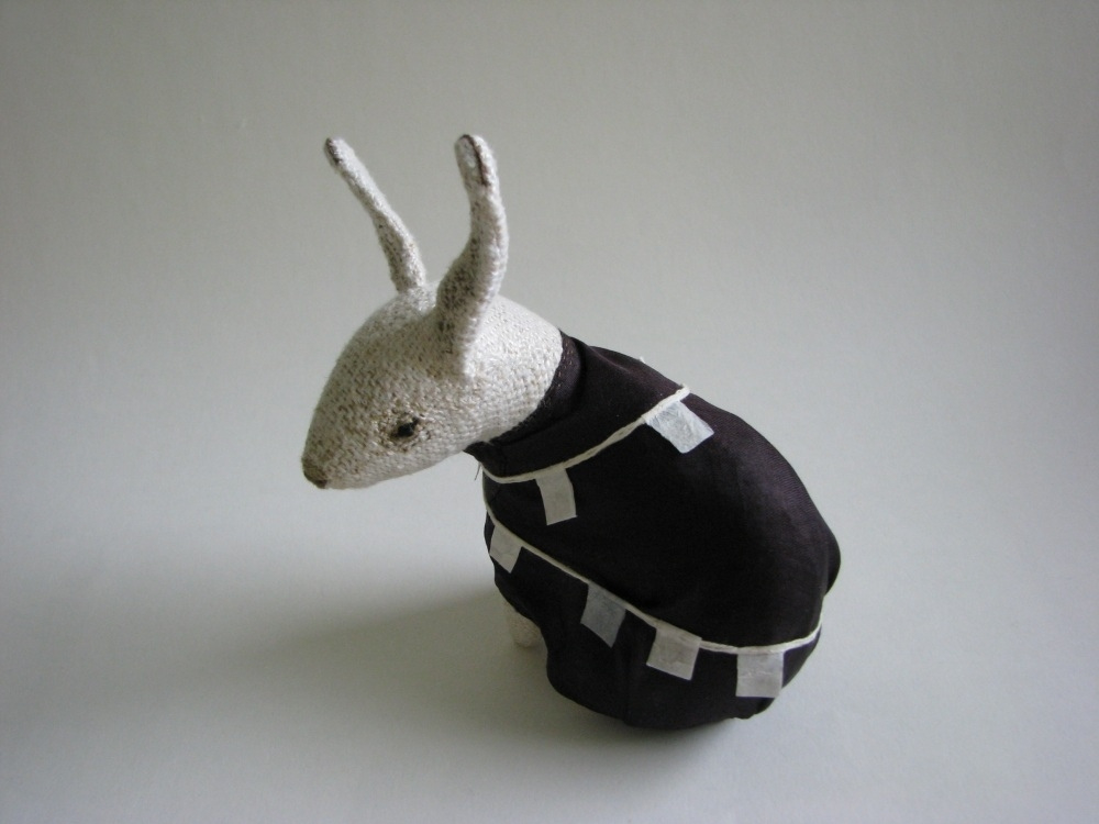 Paulina-Temmes-textile-artist-animal-sweater-peaceful-soft-sculpture