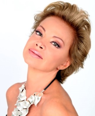 Foto de Paloma San Basilio con cabello corto