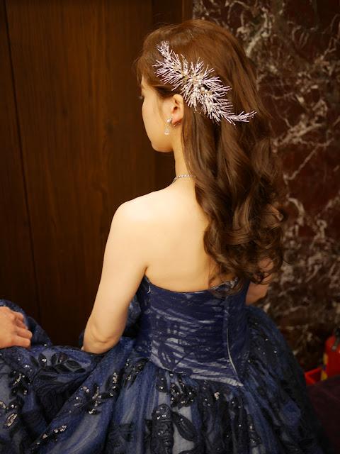 新秘Summer | 送客造型2018 | 新娘造型2018 | 側邊捲髮造型 | 寶藍色禮服造型 | 飾品搭配 | 新娘妝感