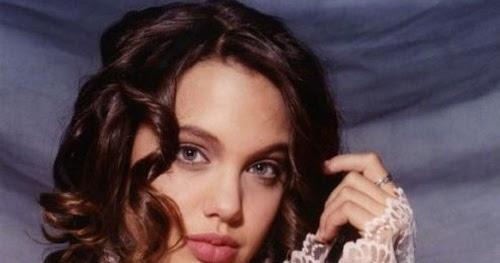 Hot Angelina Jolie's Youth Model Photos