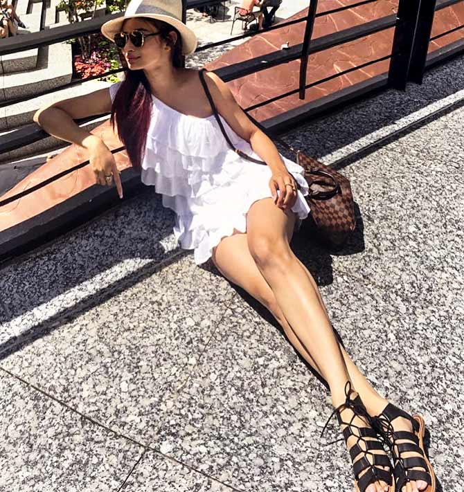 Mouni Roy holiday at Chicago