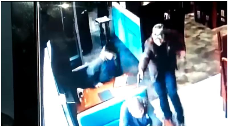"""GUERRAS TERRITORIALES del NARCO ESTA EJECUTANDO """"JEFES de POLICIA""""...presumen les """"dieron piso"""" porque antes les dieron """"pesos""""."""
