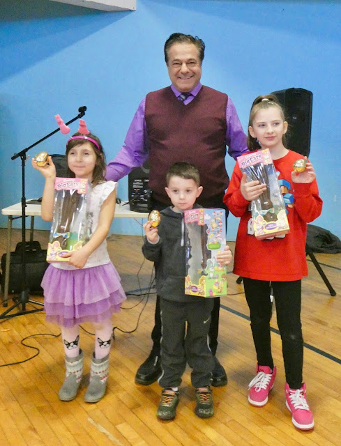 Cassetti awards chocolate bunnies to egg hunt winners at Ansonia Armory