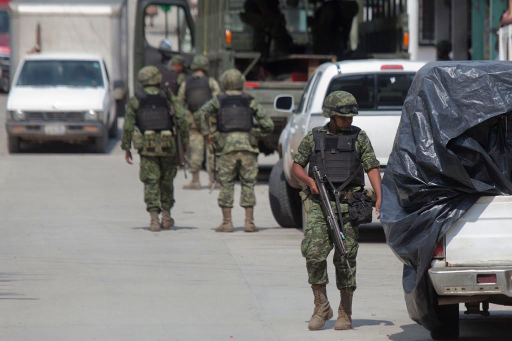Reportan emboscada a Policía Michoacán en Aquila; hay 7 agentes heridos