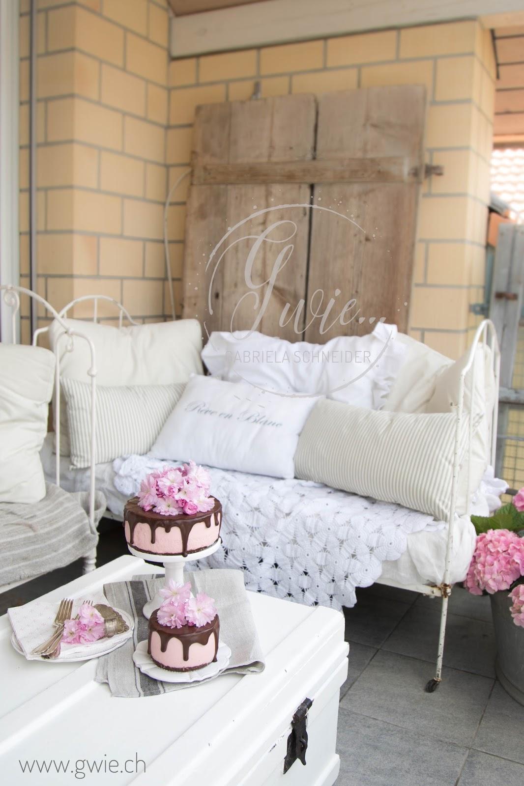 g wie blick auf unseren balkon erdbeer quark torte zum muttertag. Black Bedroom Furniture Sets. Home Design Ideas