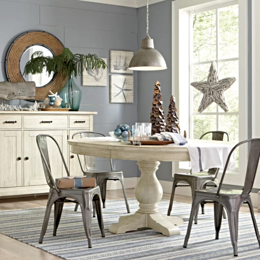 Coastal Christmas Dining Room Decor Idea