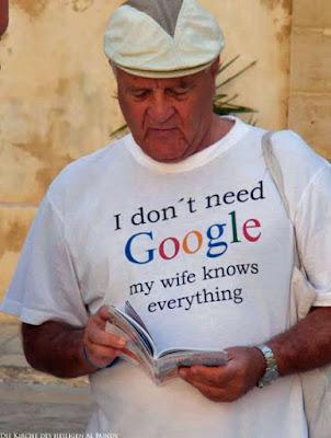 Lustiger T-Shirt Spruch - Meine Frau weiß alles