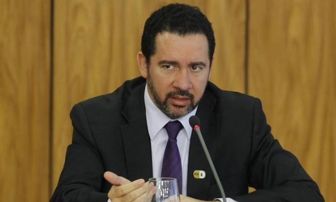 Governo extingue 4,6 mil cargos e calcula economia de R$ 240 milhões por ano