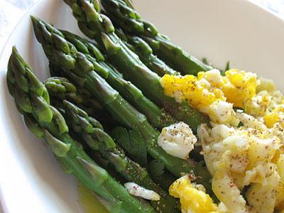 seasonal asparagus with eggs