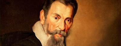 Neste mês de maio, comemoramos os 450 anos de nascimento do compositor cremonense Claudio Giovanni Antonio Monteverdi (1567-1643), o primeiro grande nome da história da ópera.E não se trata apenas uma curiosidade histórica, mas um excepcional dramaturgo cujas criações, encenadas hoje, continuam perfeitamente capazes de capturar a atenção do espectador moderno. Herdeiro dos grandes madrigalistas, visionário da nova arte, Monteverdi é um dos maiores reformadores da música.