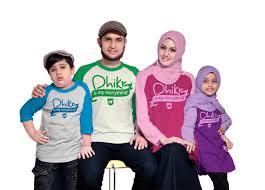 Baju Kaos Muslim Sarimbit Keluarga Modern