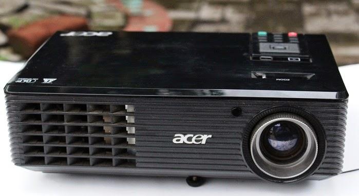 Proyektor Seken 1 Jutaan - Acer X1161n