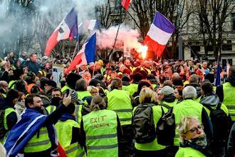 Chi sono i gilet gialli e cosa possono fare alle europee: l'analisi di Alain De Benoist