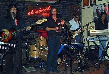 Old School Bar PJ