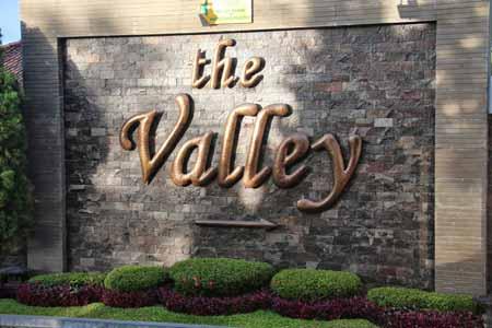 the valley Bistro cafe & Suki Garden Resto