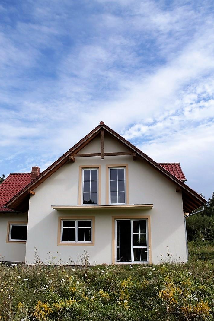 dom w rododendronach
