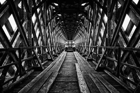 Mobil di Atas Jembatan Cirahong (Foto By Gunawan Dwi Adhar)