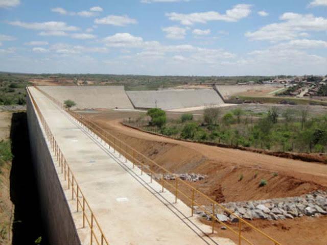 Barragem de Casa Branca, sobre o rio Capãozinho (Foto: Mário Marques)