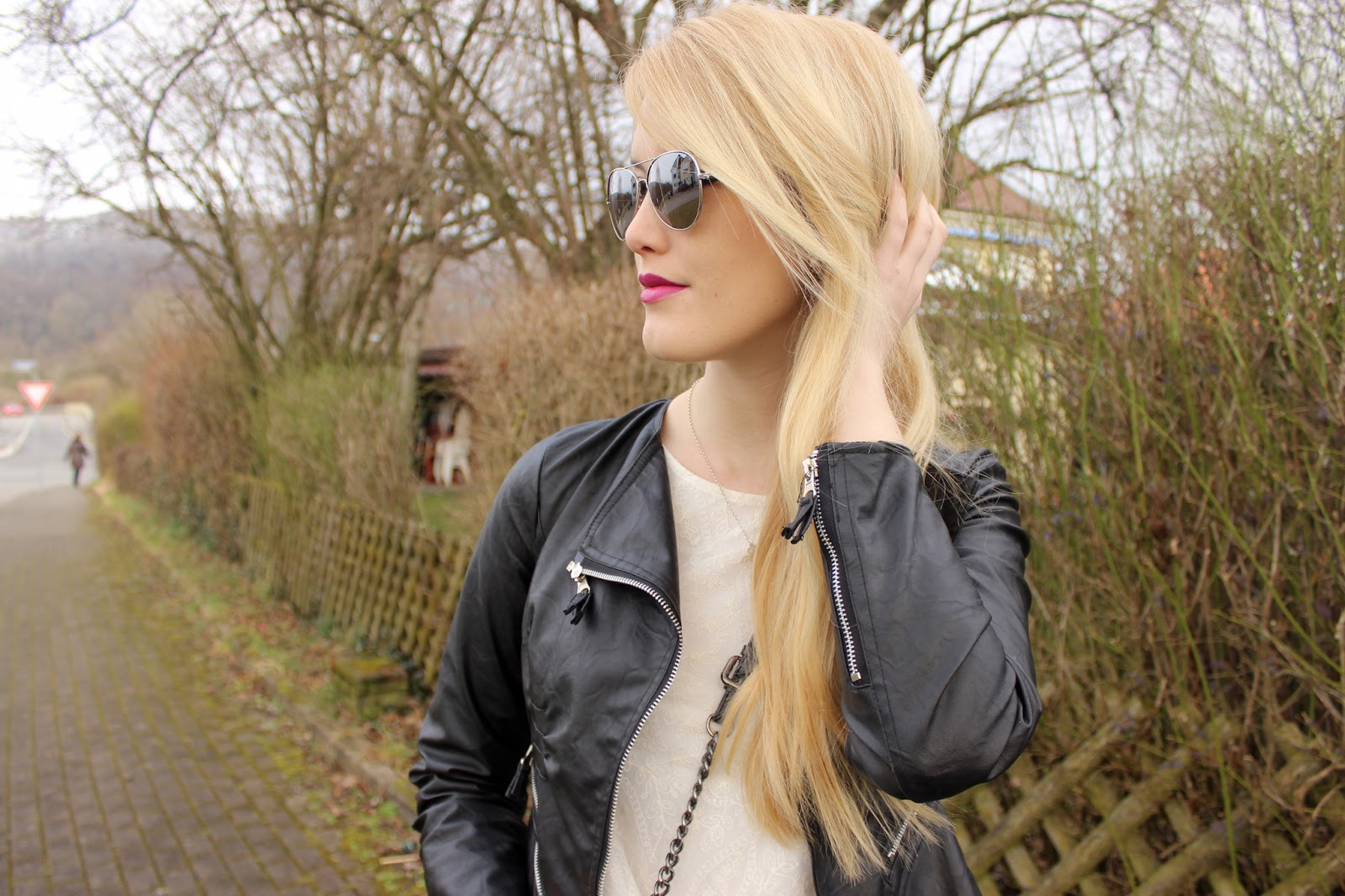 Look TheBlondeLion Biker Chic aviator sunglasses mirrored