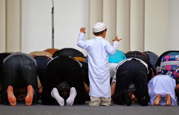 Berilah Kesempatan Anak Shalat di Masjid