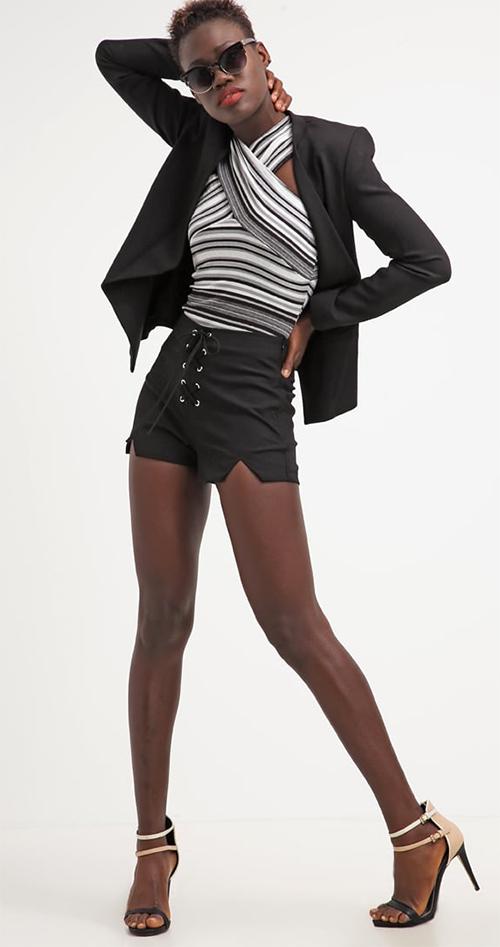 Short femme court noir Missguided