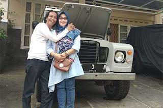 Mandra dan Istrinya
