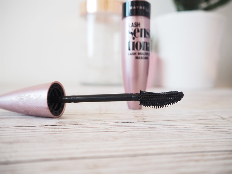 maybelline lash sensational close up of brush review