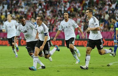 فيديو ألمانيا تلتهم المنتخب اليوناني برباعية وتتأهل الى نصف نهائي