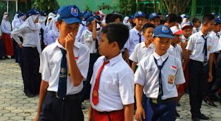 Kontroversi Sekolah Sehari Penuh