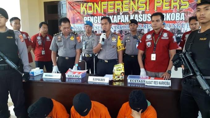 Narkotika Jenis Sabu Seberat 1 kilogram dan 23,60 gram seharga Rp1 miliar Berhasil Diamankan  Satresnarkoba Polres Lampung Utara