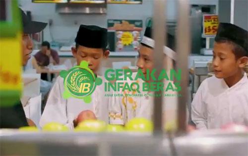 BELANJA : Alhamdulillah Jumat tgl 23 februari 2018 lalu para santri yatim & para Penghafal Al-quran dari Pondok Nurul Jadid Kumpai bisa merasakan nikmatnya berbelanja (shopping) di Mall Transmart Kubu Raya. Foto dari Youtube