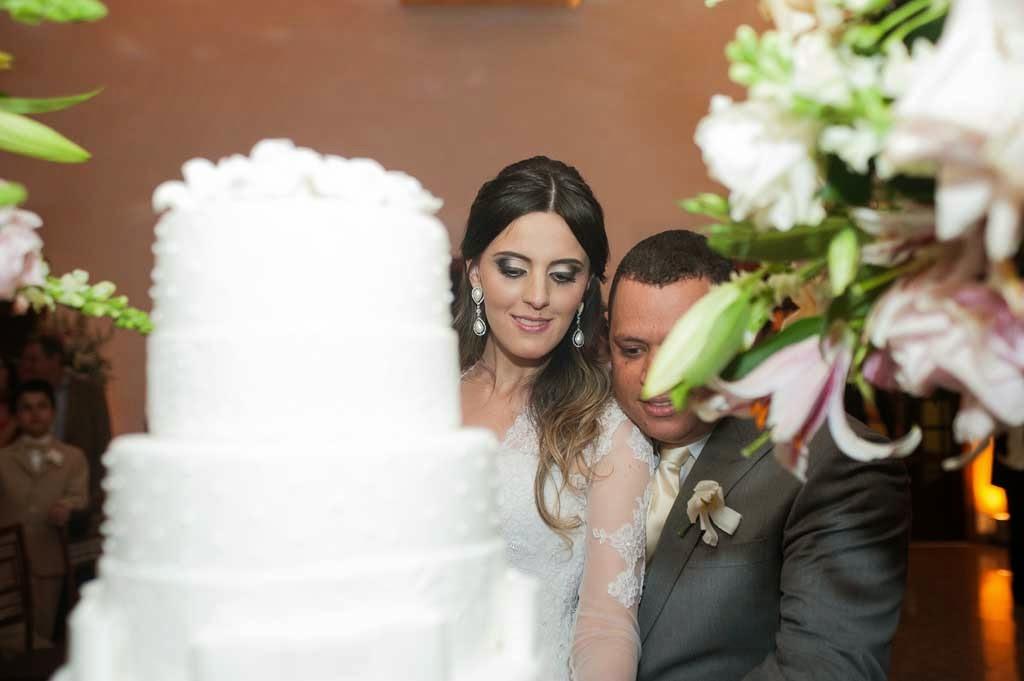 casamento-sitio-corte-bolo