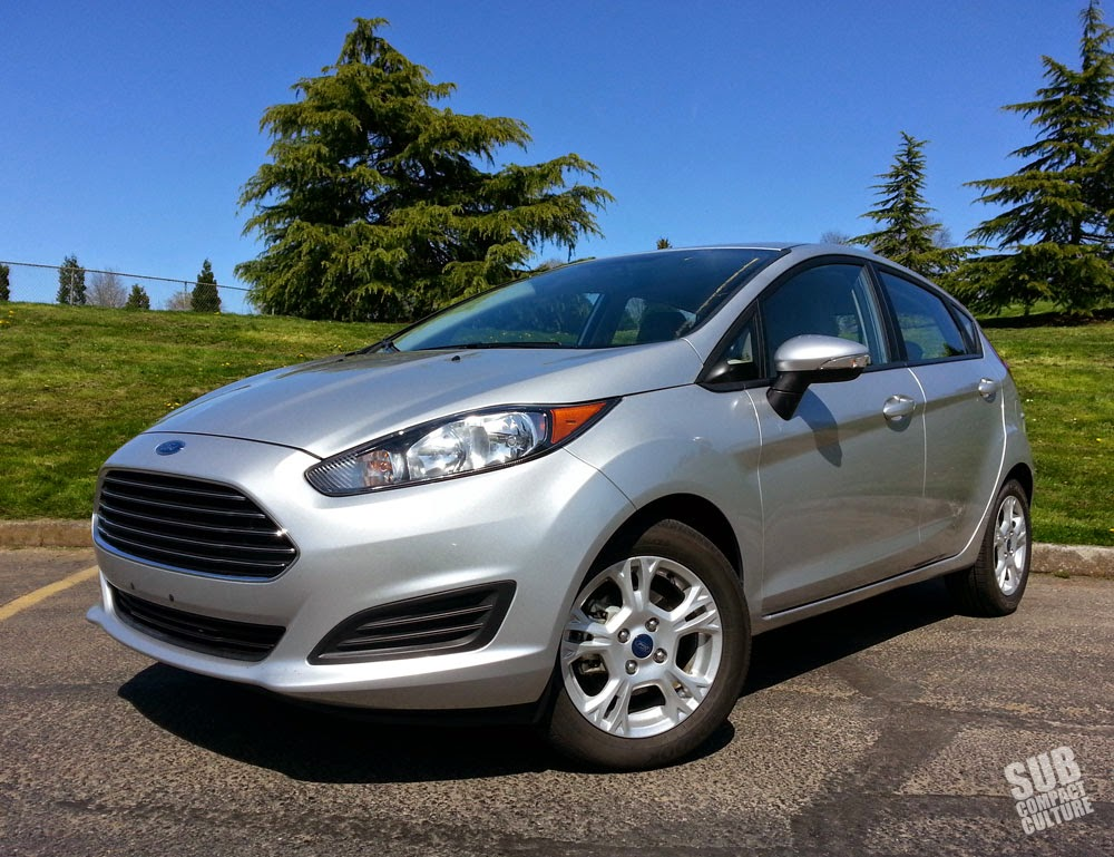 2014 Ford Fiesta SE front